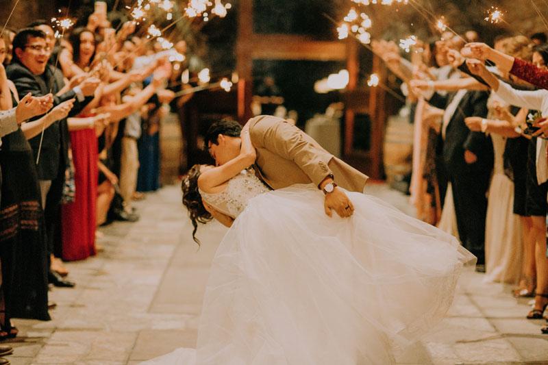 結婚式に合う人気&感動曲